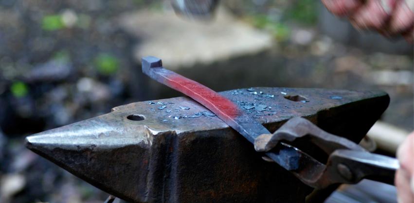 Grabmale aus Holz Manufaktur Berlin - Fundament-Fertigung