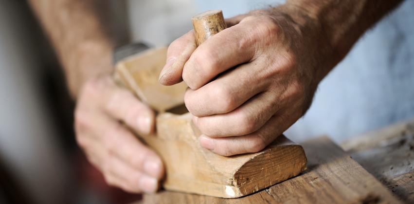 Grabmal aus Holz Berlin - Herstellung