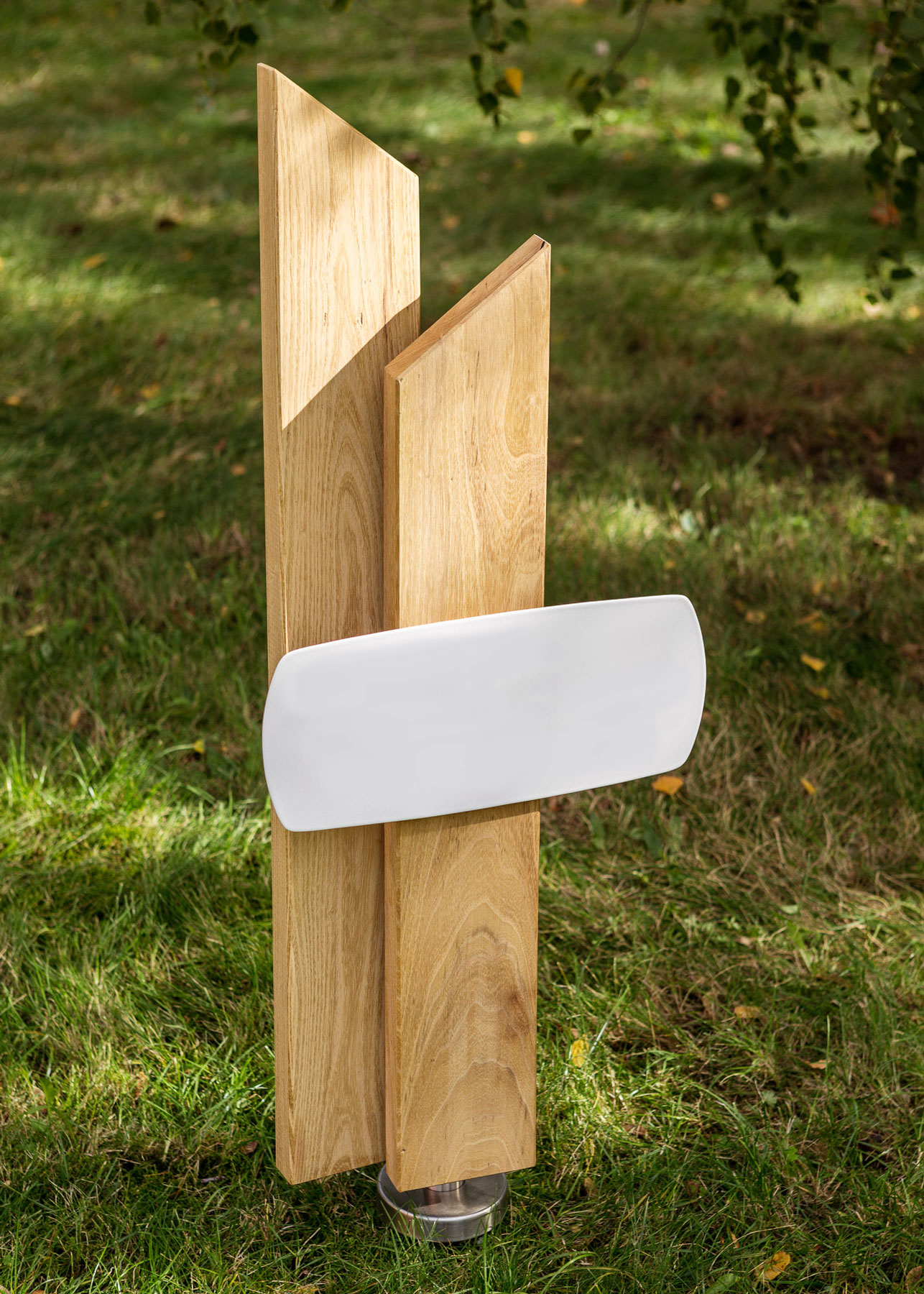 Grabmal aus Holz Stele mit Emailleschild