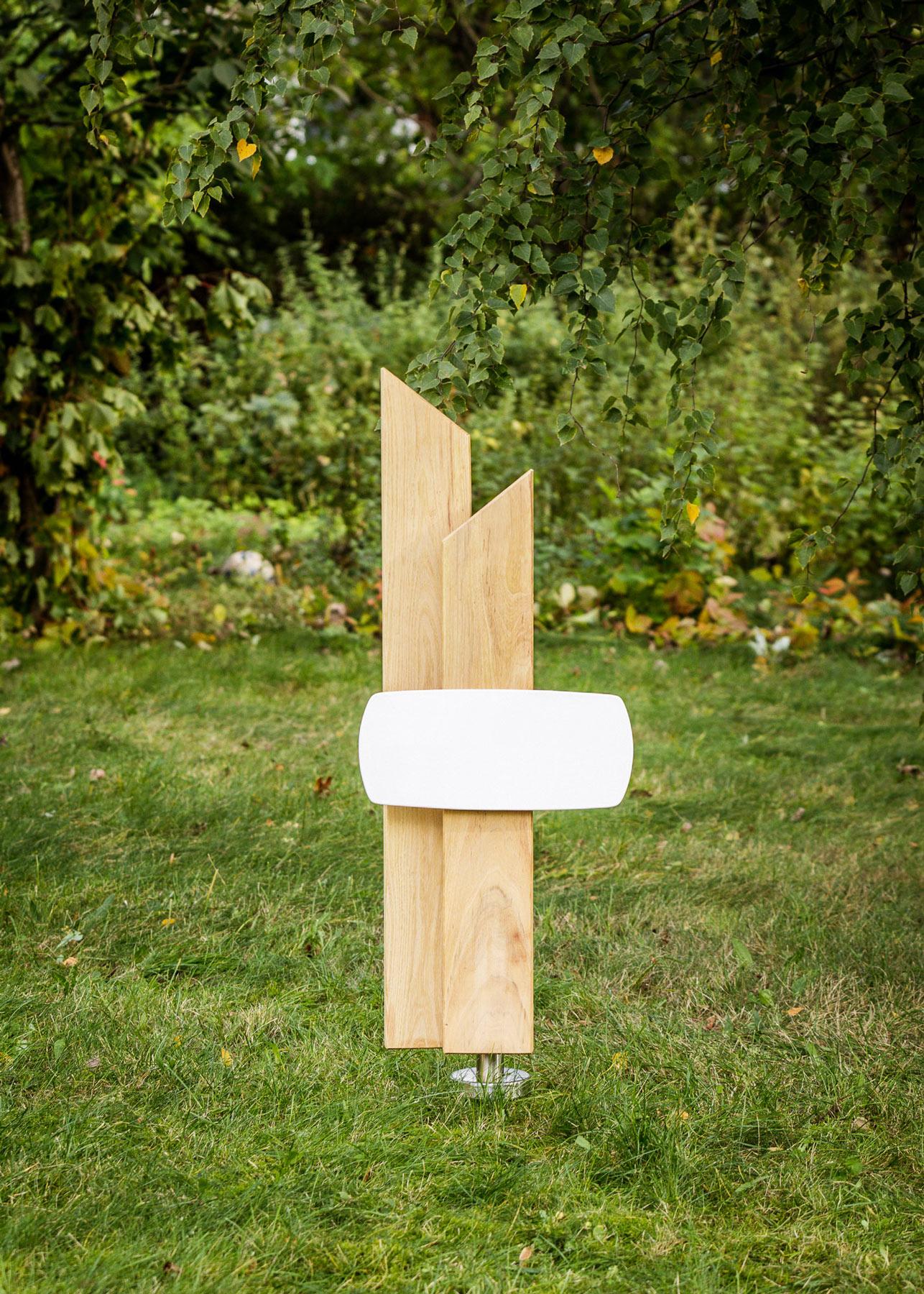 Grabmal aus Holz Stelen mit Emailleschild