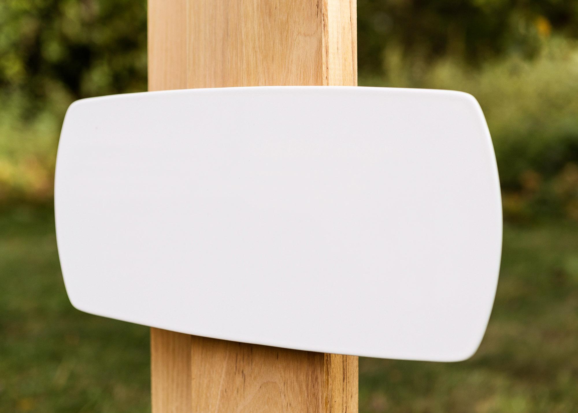 Holzgrabmal Stele mit Emaille-Schild