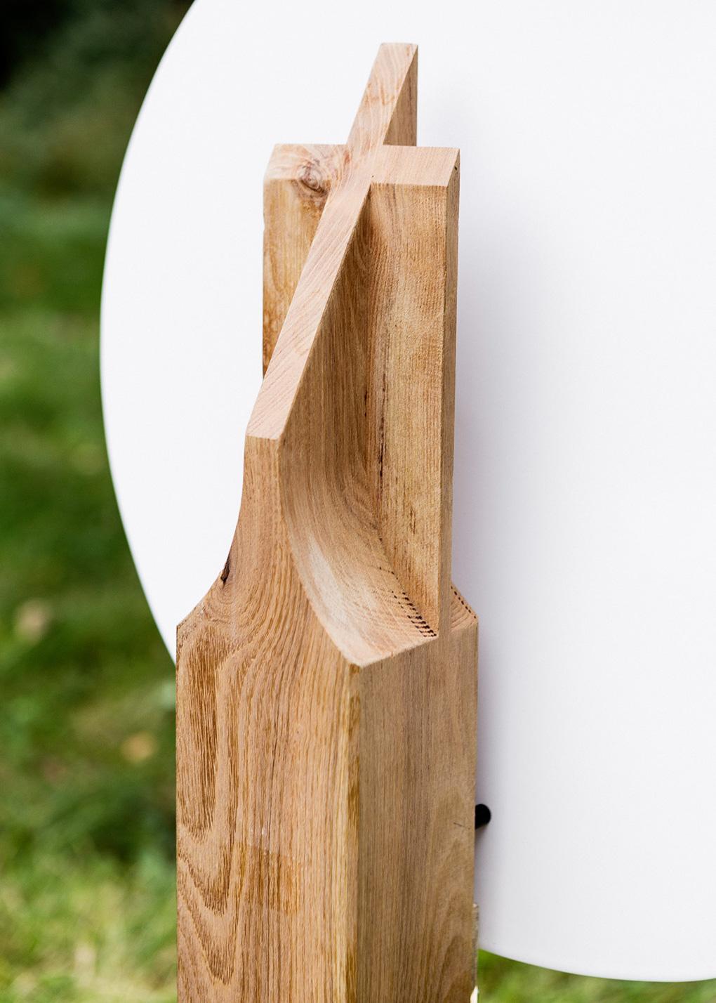 Holzgrabmal als Stele Holzkreuz Emaille-Grabschild