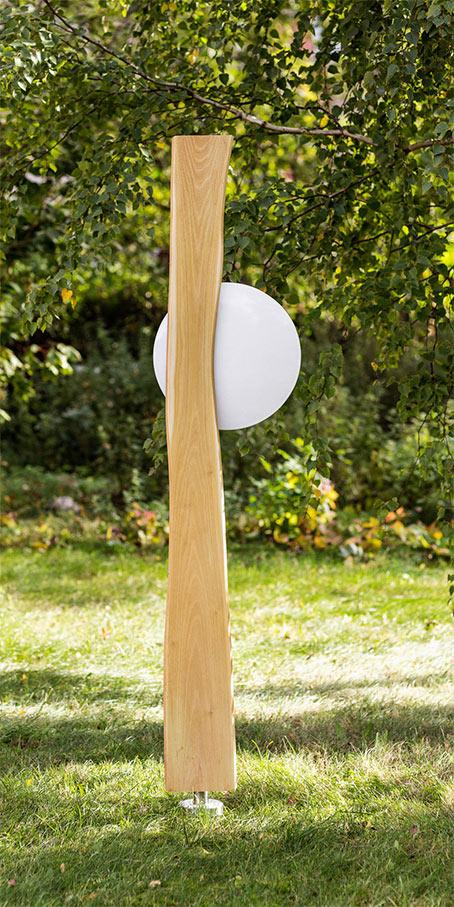 N4.KB.2 Erdgrabmal in Naturholz mit runder gewölbter Emailletafel