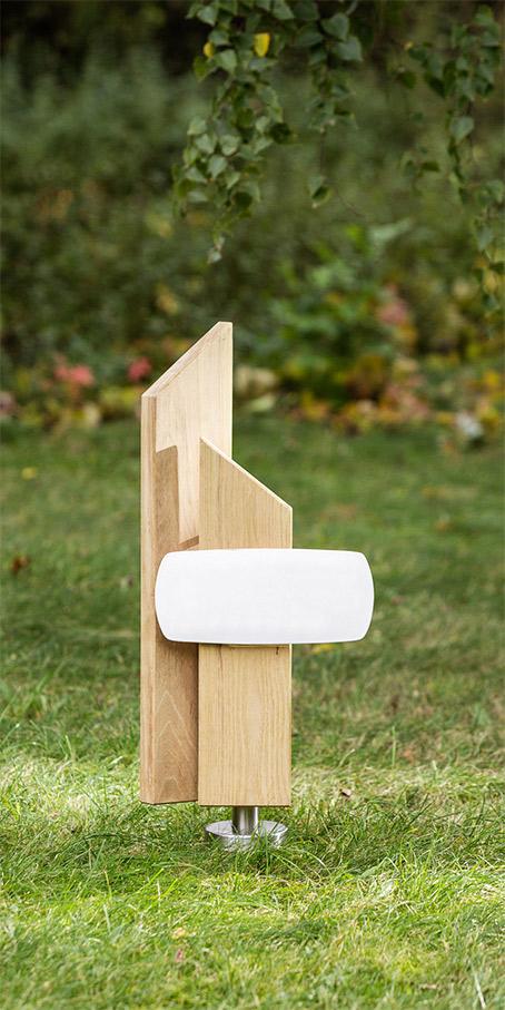 PS5.RB.2 Berliner Grabmal Holzgrabmal aus Stelen als Urnengrabmal mit Emailletafel